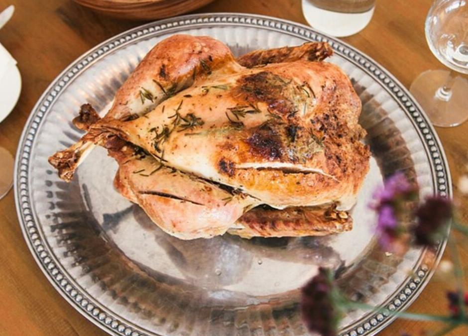 Il pollo e diversi tipi di tagli